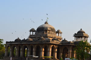 Roja-Roji mosque, Ahmedabad: #offbeat place