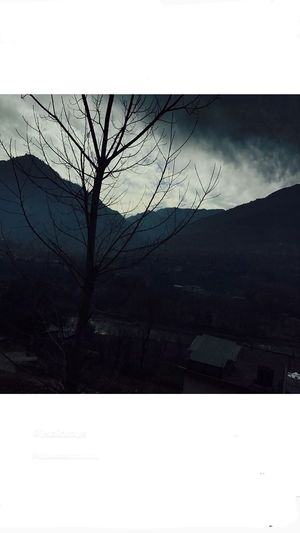 Captured it in a running bus from mobile  All about #manali