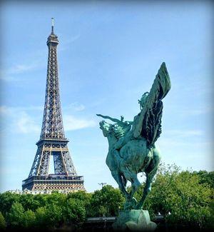 The Eiffel tower as seen from the famous bridge Pont de Bir-Hakeim. #BestTravelPictures