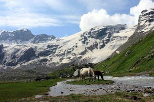 Trek to Deo Tibba Basecamp near Manali