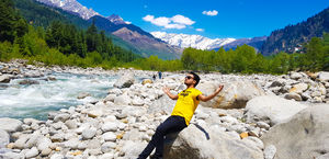 On the bank of river beas.. Surrounded By the incredible Solang Valley..????