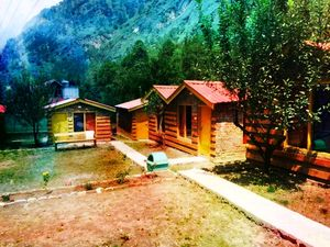 BRICK AND WOOD COTTAGES AND CAMPS KASOL