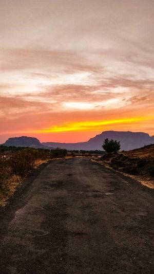 Road towards heaven, Sunset diaries. #bhandardara #tripoto #besttravelpictures