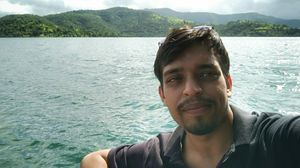 #SelfieWithAView #TriptoCommunity  The greens and the Blues..perfect dose for a good trip.