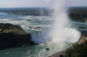 Bonjour Canada - Exploring Ontario