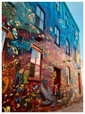 "#BestTravelPictures ""A walk through Graffiti Alley: Toronto's most photographed street"""