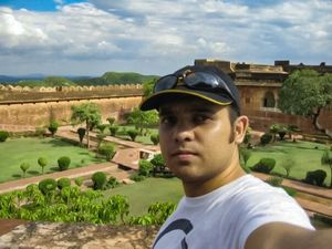 #SelfieWithAView #TripotoCommunity #SelfieWithACourtyard when Selfie was not even a word!!