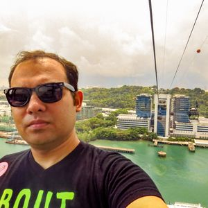 #SelfieWithAView #TripotoCommunity A cable car to Sentosa