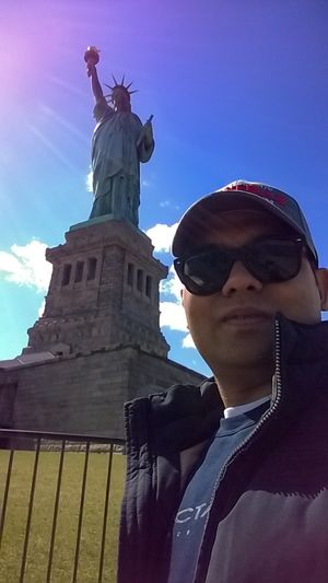#SelfieWithAView #TripotoCommunity The lady of NY