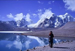 Glacier gorundungmar lake...