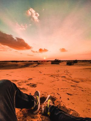 Inbetween the ocean of desert.