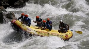 Amazing White Water Rafting in Ganga, Rishikesh !!!
