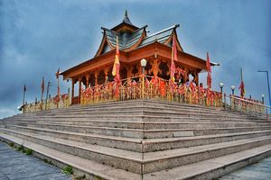 Hatu Temple at the Highest peak of Shimla. Hatu Peak is 7 km from Narkanda. Must visit.