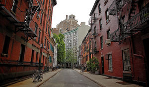 THE BEST WALKING TOURS OF NEW YORK CITY