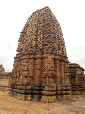 Exploring Badami and Pattadakkal ancient chalookya kingdom.