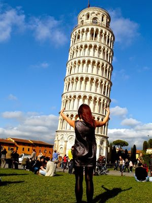 Leaning Tower of Pisa 1/17 by Tripoto