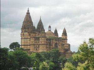 Unique temple to visit near you (chaturbhuj temple)