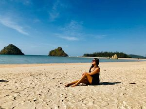 Get tanned at Aonang Beach         enjoy beautiful beaches in Krabi ❤