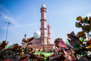 The Taj-Ul-Masajid