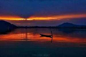 Sunset at Dal Lake