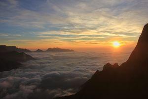 Sunrise at Kolukkumalai ❤️