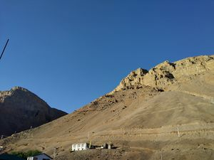 Kaza's Mighty Mountains changing color as Sun hits them. @tripotocommunity #Spitivalley #KAZA