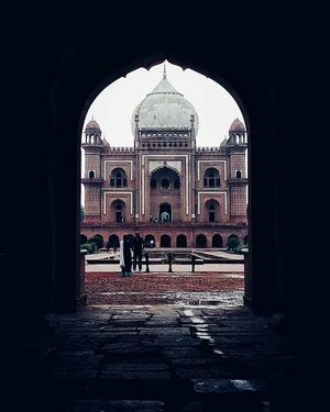 The entire structure of the Safdarjung's tomb is carved in typical Mughal style of architecture.