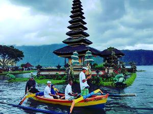 Bedugul Lake Temple Bali