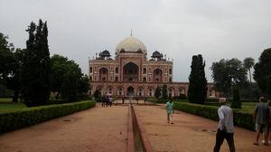 Purana Qilla (Humayun's Tomb), Delhi between sky full of clouds.