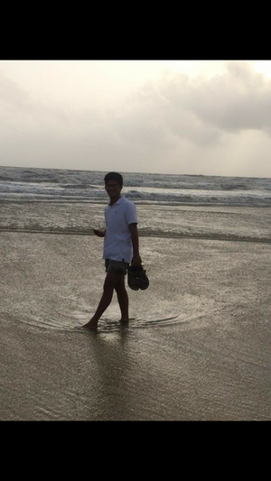Waves and White sands of varca, what a beautiful place Goa is.