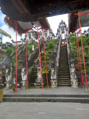 Lempuyang temple , opening the gateway to mount Agung #the scenic abode of heaven