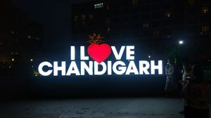 ChAnDiGaRh TrAvElOgUe...