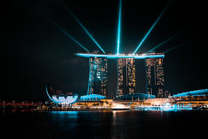 If you want to experience magic amidst city, Singapore is the place to be. #photosabroad