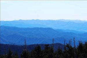 The Great Smoky Mountains - Jagged mountain peaks, verdant forests & cascading waterfalls #tenphotos