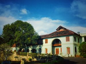 The largest archeological museum in Kerala and was the official residence of erstwhile rulers.