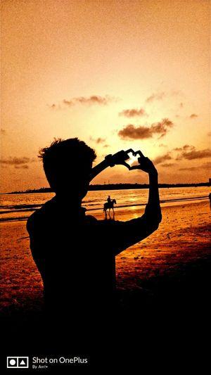 Mesmerizing Sunset, Beautiful evening and My Crazy Bro enjoying view #triptocommunity #Mumbaidiaries