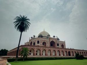 Majestic Humayun's Tomb: the inspiration behind iconic Taj Mahal !