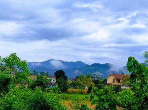Laos - The unheard and uncommon story