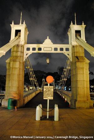 Cavenagh Bridge Singapore 1/1 by Tripoto