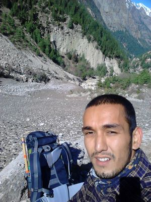 i prefer off seasons that's when you meet nature! atop glaciers. #SelfieWithAView  #TripotoCommunity