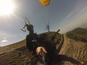BIR BILING DIARIES: I believe I can fly !! (with a parachute)
