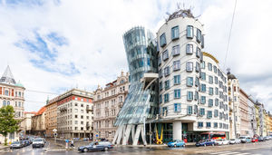 6 Outstanding Buildings In The World!
