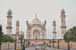 Taj of Deccan, Bibi Ka Maqbara in 3 moods