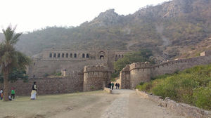 Bhangarh fort, Rajasthan- Not Ghostly but intensely tranquil!