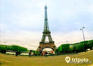 Paris-Exploring French capital in two days#Solo trip#Budget Travel Guide