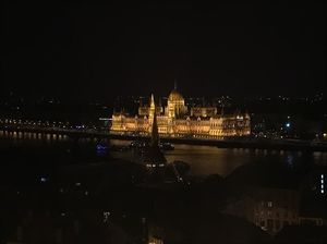 Best of Budapest in 12 hours #TravelPhotoStory