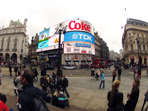 Piccadilly Circus 1/4 by Tripoto