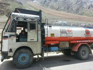 Delhi to Leh LESS THAN 2250 INR; Travelled With No Itinerary For 10 Days.