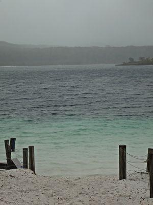 Lake Mckenzie 1/undefined by Tripoto