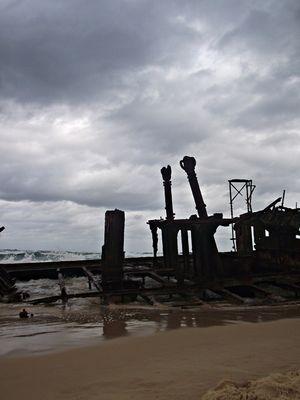 Maheno Shipwreck 1/2 by Tripoto